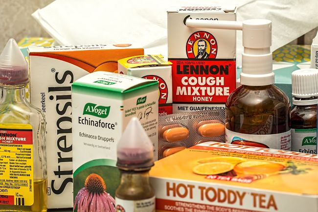 There are a huge range of medicines for sore throats, but home remedies can be just as effective for treating mild cases